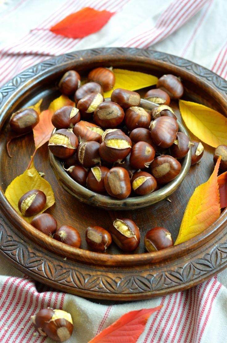 Ayant grandi dans le pays de la châtaigne, les châtaignes au four étaient une gourmandise que nous partagions chaque année à la maison...