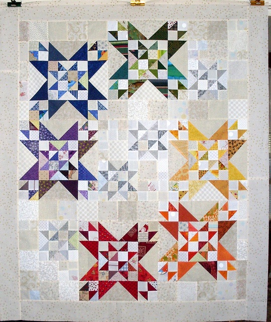 Love the spectrum colours on this one.: Scrap Quilts, Idea, Colors Pineapple, Stars Quilts, Scrap Challenges, 2013 Rainbows, Rainbows Scrap, Rainbows Quilts, Rainbows Challenges