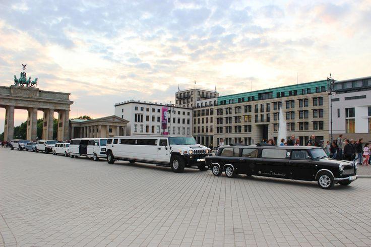 Internationaler Stretchlimousinen-Shuttle für 100+X Personen in Berlin. Ein auffälliges Event für Ihre Gäste. Trabi-XXL Berlin