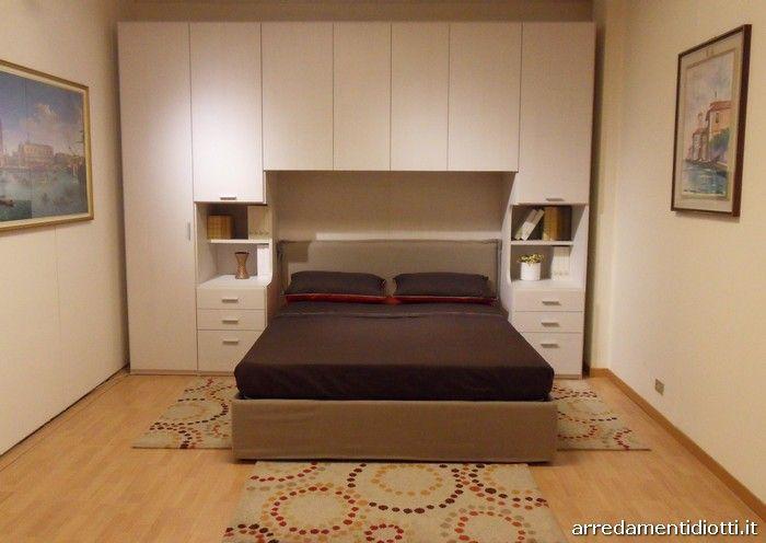 Ottima soluzione per chi ha poco spazio a disposizione for Camera da letto matrimoniale conforama