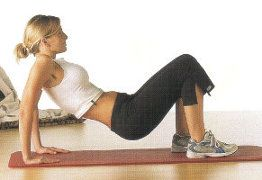 esercizio braccia seno pettorali