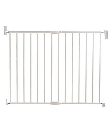 The Mothercare Safest Start Push and Shut safety gate is wall mounted and has been designed to extend to fit openings with a width of 63.5-102cm
