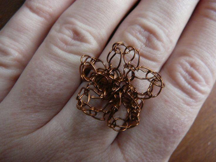 crochet wire flowers ring