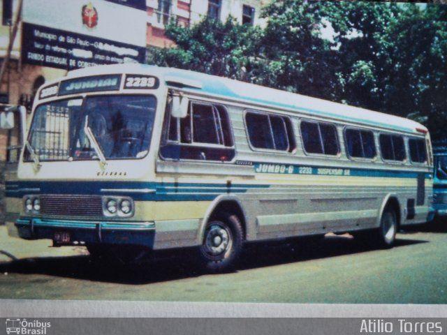 Ônibus da empresa Viação Cometa, carro 2233, carroceria Ciferal Líder, chassi GMC Detroit Diesel. Foto na cidade de São Paulo-SP por Atilio Torres, publicada em 20/11/2012 17:19:47.