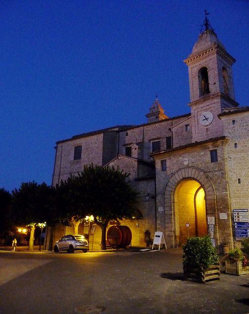Arco di Ingresso a Staffolo, comune dei Castelli di Jesi, terra del #Verdicchio. #Marche #Italianwine #Destinazionemarche