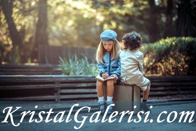 Yolunuz nereden geçerse geçsin #çocuk  sevgiye mutlaka dokunmanız dileğiyle... iyi pazarlar #özelsözler #anlamlisözler #sevgi  #yol