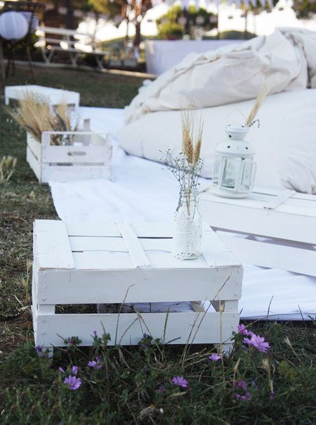 easy-to-do tables: up-side-down vintage crates