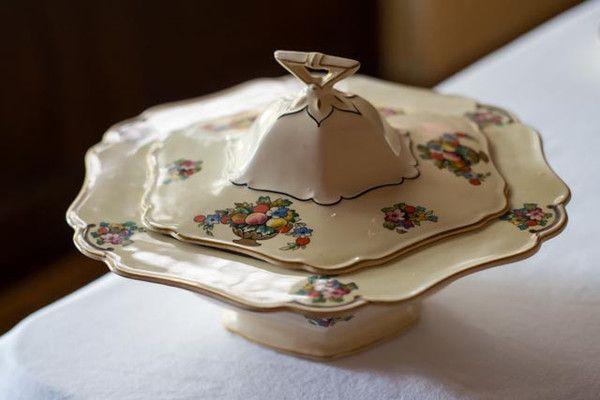 Maddock and Sons Serving Bowl 1927