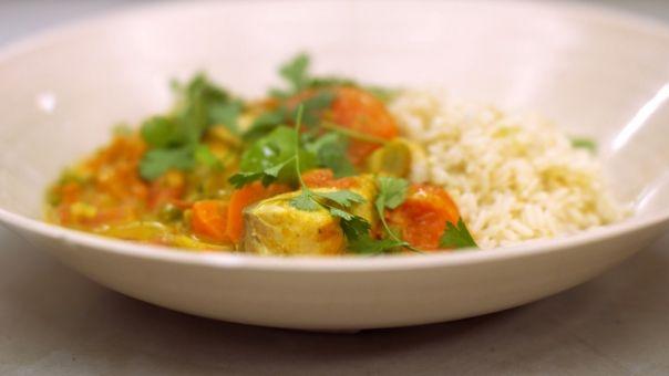 Dagelijkse kost - viscurry met tomaat, wortel, selder, paprika, ...