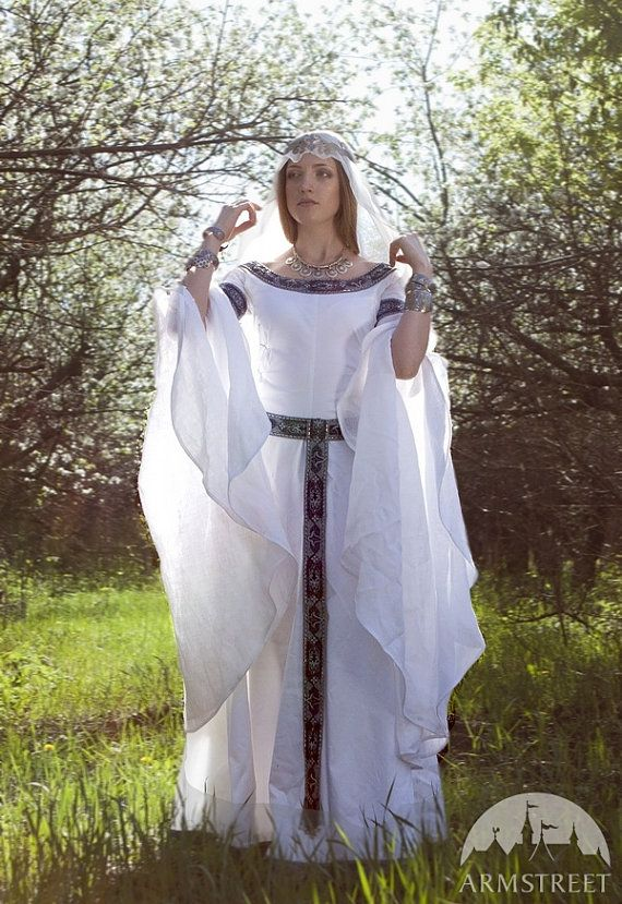 HERE YOU GO STACEY!!!!!!!!!!!!Medieval Fantasy Wedding Dress White Swan by armstreet on Etsy, $246.00
