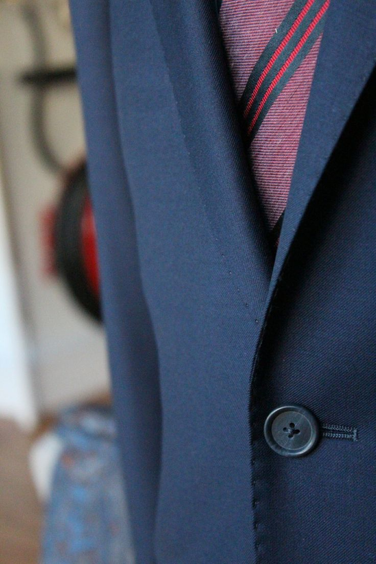 https://www.facebook.com/media/set/?set=a.10152220566694844.1073742105.94355784843&type=3&uploaded=13  #mtm #madetomeasure #buczynski #buczynskitailoring #fintes #suit #navysuit