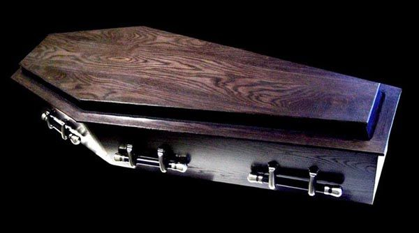A coffin has six sides, whilst a casket has four.