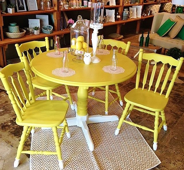 Best 25 farmhouse table chairs ideas on pinterest for Yellow farmhouse table