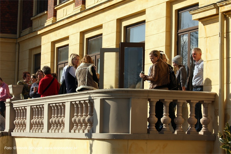 Besökare som pausar på Internet i Fokus 2012 - Ystad