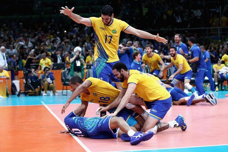Confira as melhores imagens da final do vôlei entre Brasil e Itália