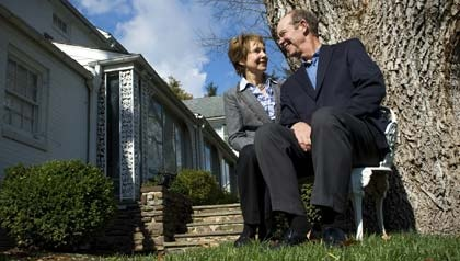 julie and david eisenhower (he is still looking at her in that special way)