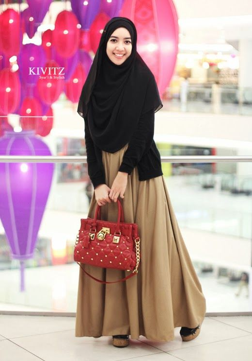 falling in love with the way she wear the hijab..i wanna to try this style