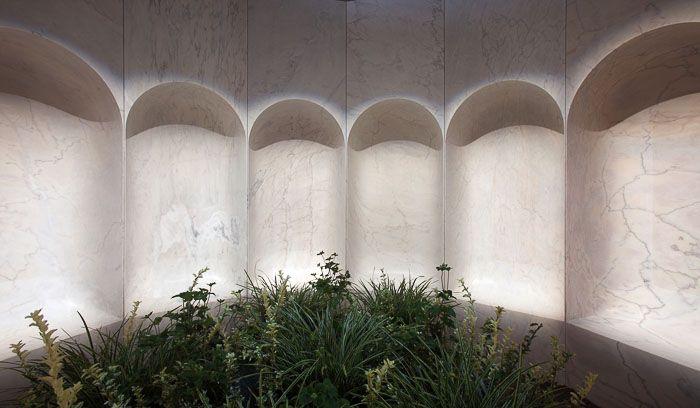 BRIGHT CLOISTER by Go Hasegawa para #Pibamarmi, ganó el Premio Mejor Comunicador Gafa última edición de Verona 2016.  En esta entrevista en vídeo, editado por Davide Turrini y producido por Tofufilms, el arquitecto habla de su trabajo.  https://youtu.be/9hi4E0b2j6E