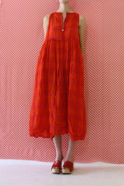 Daniela Gregis large sleeveless 20.07.2012 dress