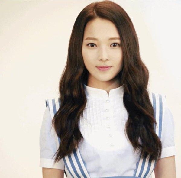 April member Somin explains her decision to leave the group through a personal letter - http://www.kpopmusic.com/artists/april-member-somin-explains-her-decision-to-leave-the-group-through-a-personal-letter.html
