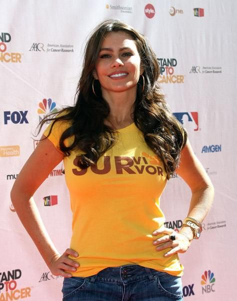 SOFIA VERGARA @ A CANCER CHARITY EVENT