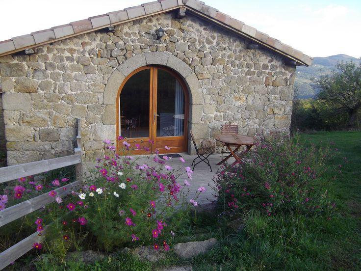 Gîte Couette et Tartine - La cabane vue extérieure - Ardèche - Gîte 2 personnes