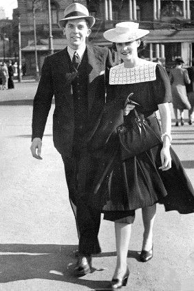 Leonard Siffleet and his fiancee Clarice Lane at Circular Quay, Sydney, Australia, 1941