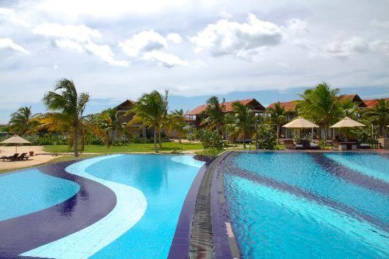 Uga Bay: the beautiful pool