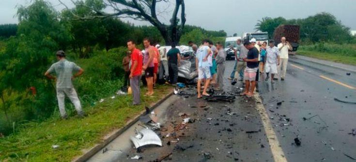 Colisão aconteceu nas proximidades do trevo de acesso à fabrica da Suzano, no município de Mucuri - Foto: Reprodução | Teixeira News