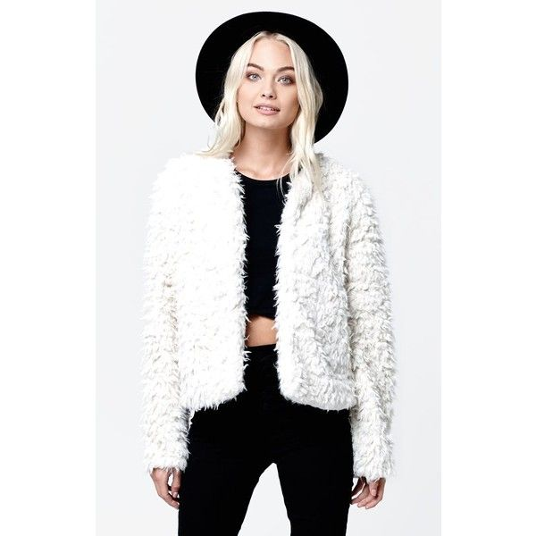 Vans Hammersmith Faux Fur Jacket ($100) ❤ liked on Polyvore featuring outerwear, jackets, white cropped jacket, white jacket, long sleeve crop jacket, white faux fur jacket and long sleeve jacket