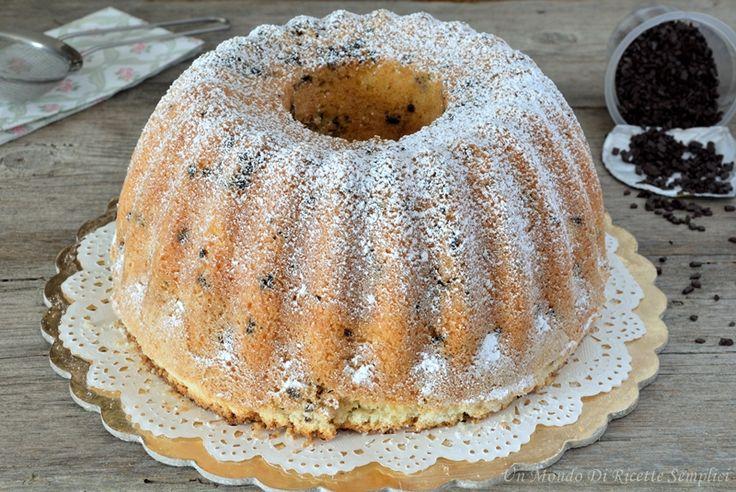 La ciambella alla panna e un dolce soffice, buono e semplice da preparare. Servitelo a colazione o a merenda, farete un figurone!