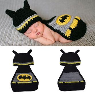 This knit hat outfit is a great addition to your children and baby photo shoots. Every Baby wants to be a super hero!
