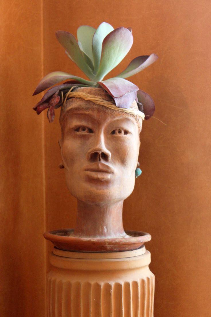 b&b Gli Specchi - detail of Annaroberta Ferrando's handmade vase