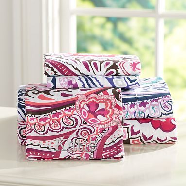 """Vintage Paisley Sheets, Queen. Color is """"COOL"""" turquoise, pink, white, purple"""