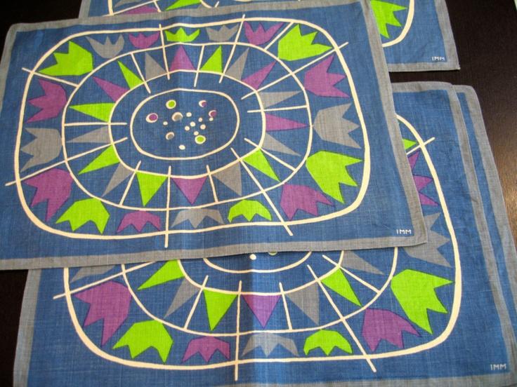 Atomic tulips. Vtg midcentury Scandinavian placemats set, signed IMM, collectible textile, excellent vintage condition.