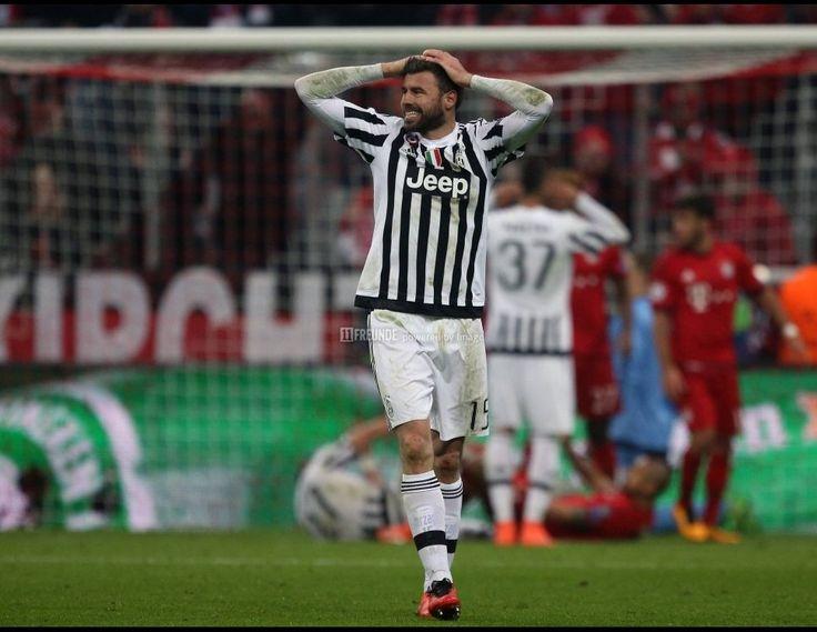 Bayern-Juve, das war Europapokal wie er besser nicht sein kann. Fand auch die internationale Presse.
