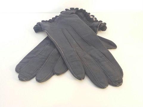 Vintage leather gloves. Womens vintage clothing at Bird of Prey online.