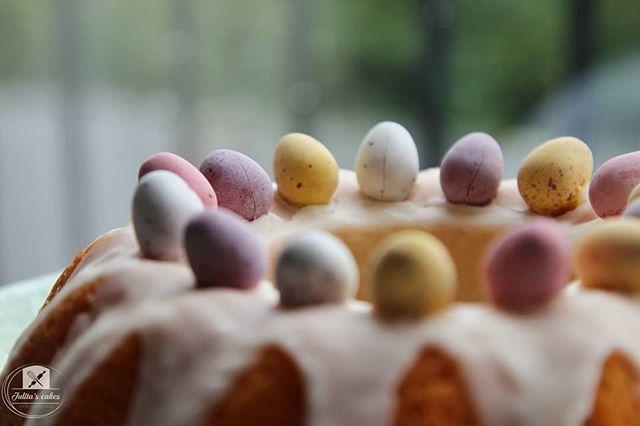 Traditional Polish Easter Cakes @cakesbyjulita   . . #cakesbyjulita #cake #easter #eggs #babka #babkawielkanocna #polishgirl #instacake #baking #weekend #happyeaster #share #thekitchen #instasweet #bakery #traditions #derby #cakedecorating #easterdecor #cakeporn #foodie