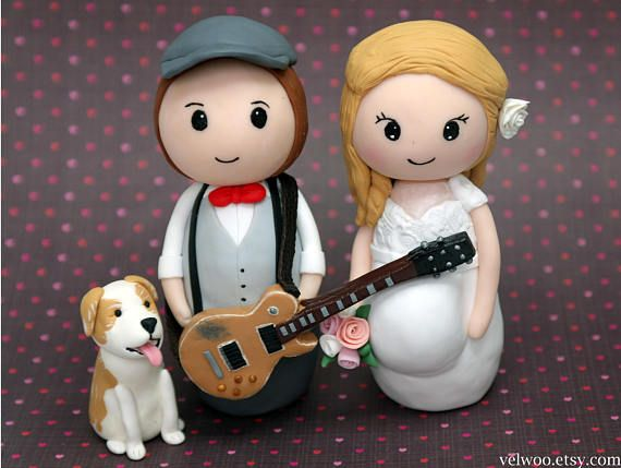 Pregnant cake topper, cutsom pregnant wedding cake topper,groom with guitar, pregnant bride,