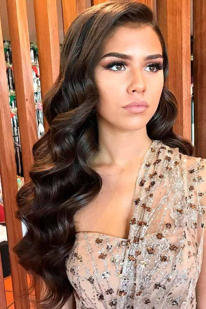 Longhair Wavyhairstyle Here Are Gorgeous Prom Hairstyles To Perfect Your Prom Look Looking For A Funk Curly Hair Styles Hair Styles Long Face Hairstyles