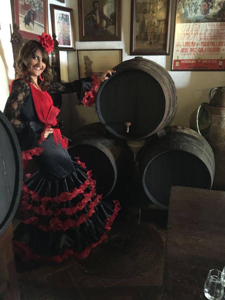 Y esta soy yo... con un vestido de Charo Cañas, Diseñadora y modista Cordobesa a la que pronto dedicaré un tablero entero!