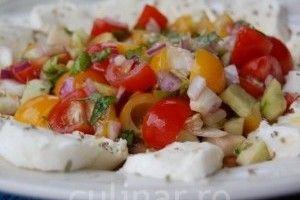 Salata de vara cu mozzarella - Culinar.ro