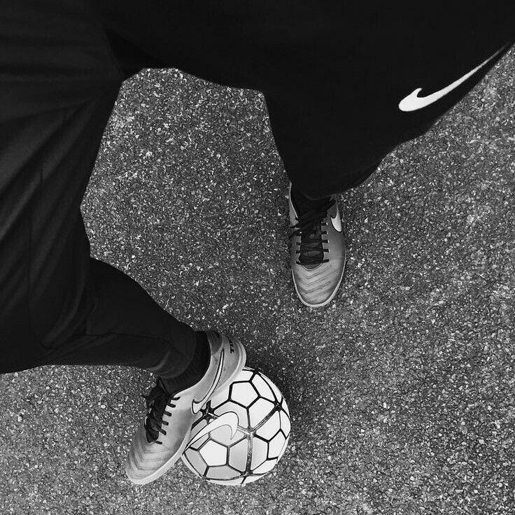 Soccer Aesthetic Tumblr Soccer Aesthetic Tumblr In 2020 Soccer Photography Soccer Tumblr Street Soccer