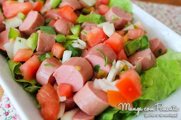 Receita de Salada Salsicha e Tomate, para ver a receita clique na imagem para ir ao Manga com Pimenta.