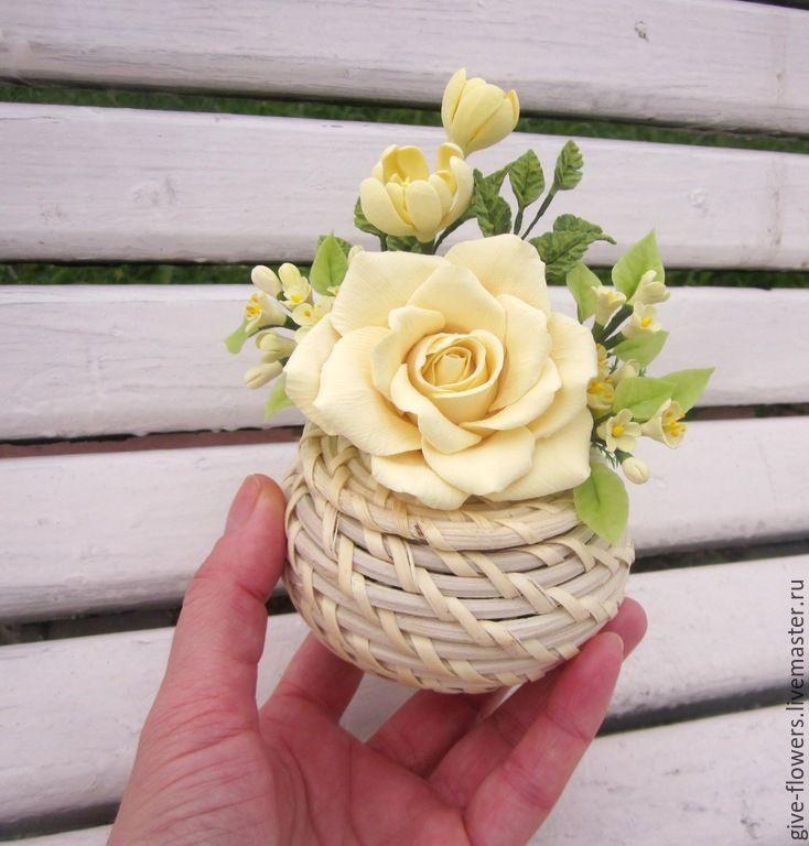 http://cs5.livemaster.ru/storage/56/c5/4f3c1ffcb997e648fce973733bbn--tsvety-floristika-interernaya-shkatulochka-s.jpg