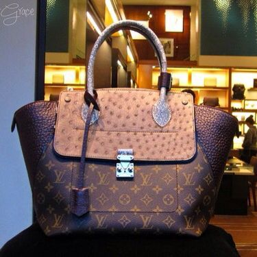 Designer Handbags | Fashion Designers | Womens Fashion Louis Vuitton Handbags, Buy Discount LV Handbags Only $190 For This Site, I Believe You Will Love Louis Vuitton Outlet, The Price Of LV Top Handles Is Acceptable To Our Customers, You Can Get Any Style You Want At Here!!! #Louis #Vuitton #Handbags