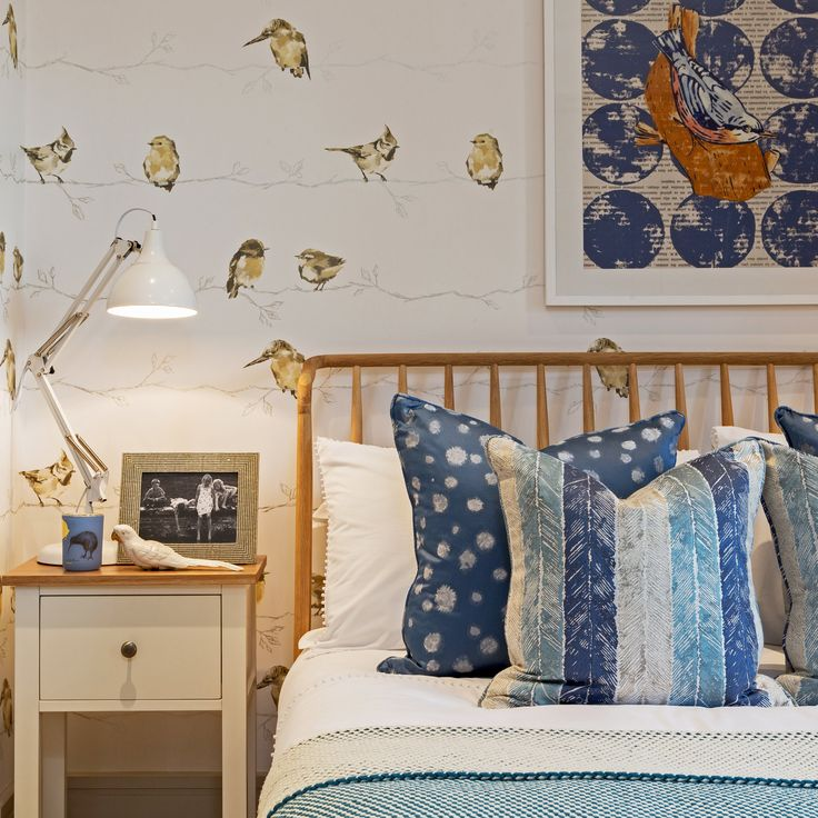 Celebrating this beautiful Oxfordshire countryside setting, we brought nature indoors with this enchanting avian themed design for Millgate, adding touches of comfort and luxury with these beautiful William Yeoward fabrics.