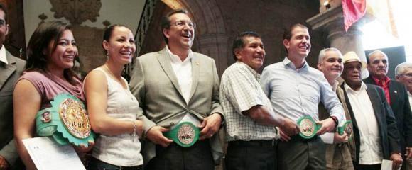 Afilian a Seguro Popular boxeadores del Consejo Mundial de Boxeo - http://notimundo.com.mx/afilian-seguro-popular-boxeadores-del-consejo-mundial-de-boxeo/