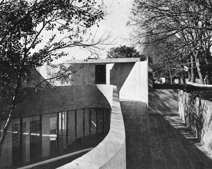 Rowan Lane, Kenilworth, Cape Town, 1968-72, Antonio de Souza Santos Architect. Original roofscape of house #5