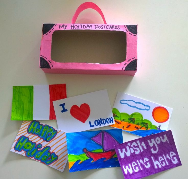 To make your own Suitcase with Postcards click on the one below!